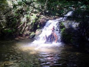 Ducha na Cachoeira do Leão