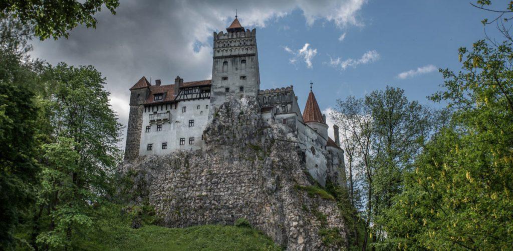 Bran-Castle-Transylvania-Romania1-1-e1464173589493