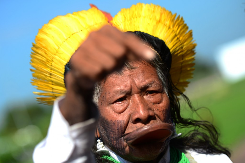 Brazilian-Indian-Chief-Raoni-speaks-with-journalists-during-a-press-conference-before-the-opening-of-the-Peoples-Summit-on-June-14-2012.-Christophe-SimonAFPGetty-Images