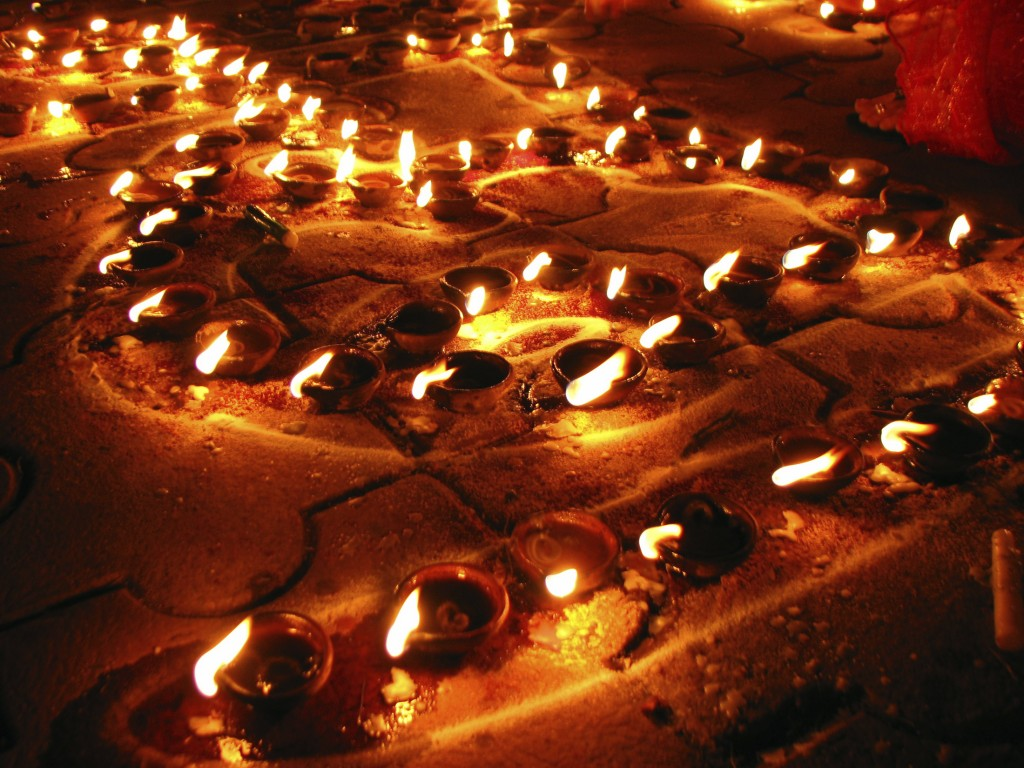 Diya Arrangement