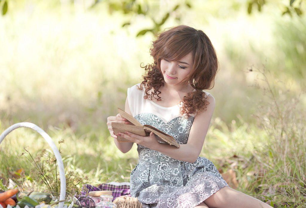 0pretty-girl-reading-book-3